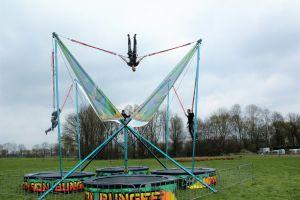 Bungee trampoline is uitgevoerd in thema draak.uniek bij Attractieverhuur de Toren!