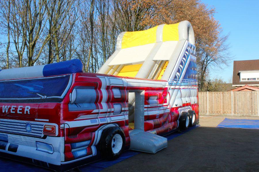 Brandweer glijbaan is een attractie en speeltoestel in een.AttractieverhuurDe Toren verhuur deze als enige zo goedkoop!