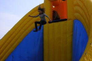 Base jump xxl attractie is een echte blijkvanger, ideaal voor publieks- evenementen !