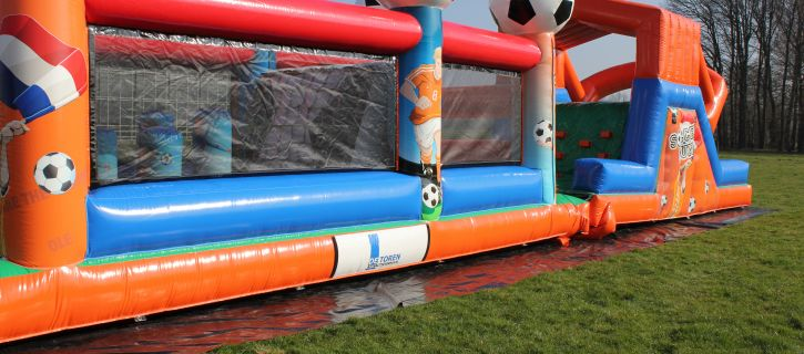 Voetbal attracties van Attractieverhuur De Toren