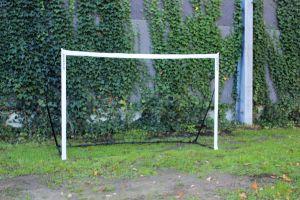 Bumperbalvoetbal goals zijn gemakelijk op te zetten.