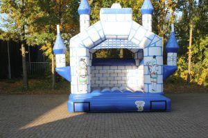 Springkussen Kasteel; geschikt voor elk evenement. Nu te huur bij Attractieverhuur De Toren.