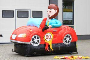 Met deze sportieve opblaasbare Abraham sportwagen , huurt u nu bij Attractieverhuur De Toren