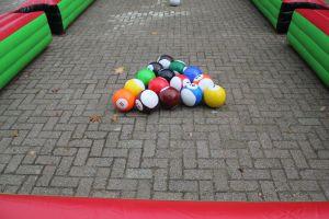 Pool soccer heeft een nieuw manier van pool spelen; geschikt voor ieder evenement. Nu te huur bij Attractieverhuur de Toren.