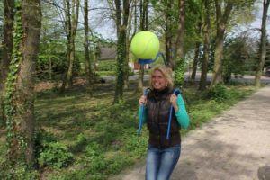 ls de bal van de balloop- houder valt geeft een gezellige spanning !