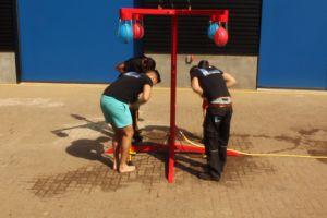 Ballonnenspel start van de competitie van medewerkers Attractieverhuur De Toren.