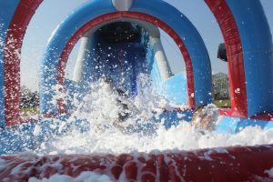 In de ice run stormbaan bevind een waterbad, met evt een mogelijkheid met schuimtoevoeging.Succes verzekkerd!