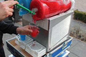 Met Slush Puppy Machine kun je 40 min. 20 liter koud serveren.