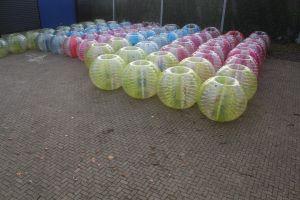 Bumperballen in verschillende maten en kleuren.Laat u adviseren door Attractieverhuur De Toren !