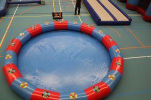 Het ronde bad met een diameter van 9 meter in combinatie met de IPS technologie