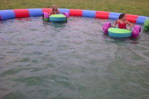 Waterbad met bootjes altijd een verkoelende attractie.
