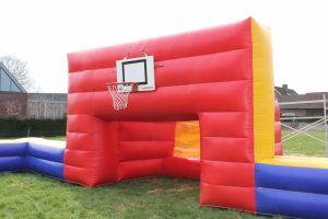 Multi-boarding is ook voor het basketspel een toevoeging op ieder event; Attractieverhuur de Toren verhuurt dit model.