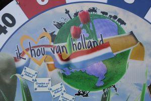 Ik hou van holland, het bord spel waar gezelligheid verzekerd is; te huur0 bij Attractieverhuur De Toren.