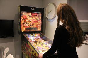 Flipperkast voor bijna iedere leeftijd.Gezellig voor tieners die met elkaar een toernooi willen spelen.