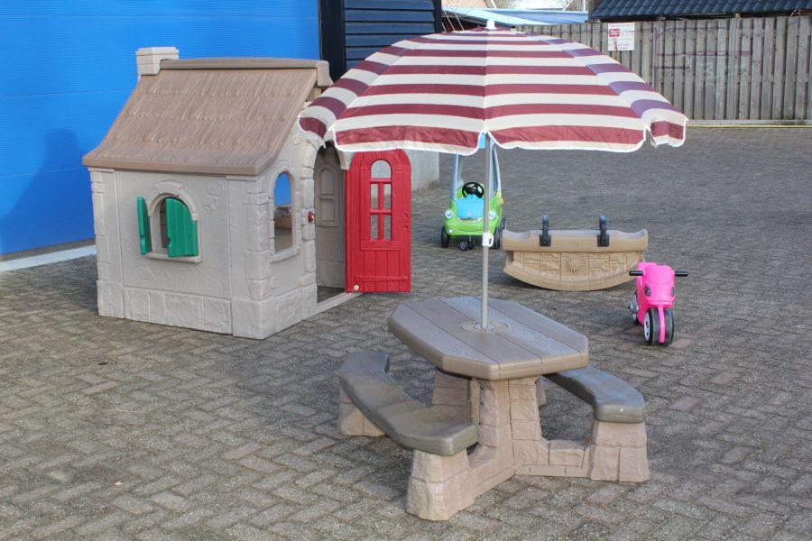 gezellig speeldorp uitgevoerd in een speelhoek.