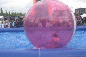 Waterballen 6 stuks met bad in actie !