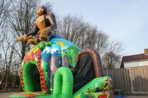 Springkussen Monkey; geschikt voor elk evenement. Nu te huur bij Attractieverhuur De Toren.