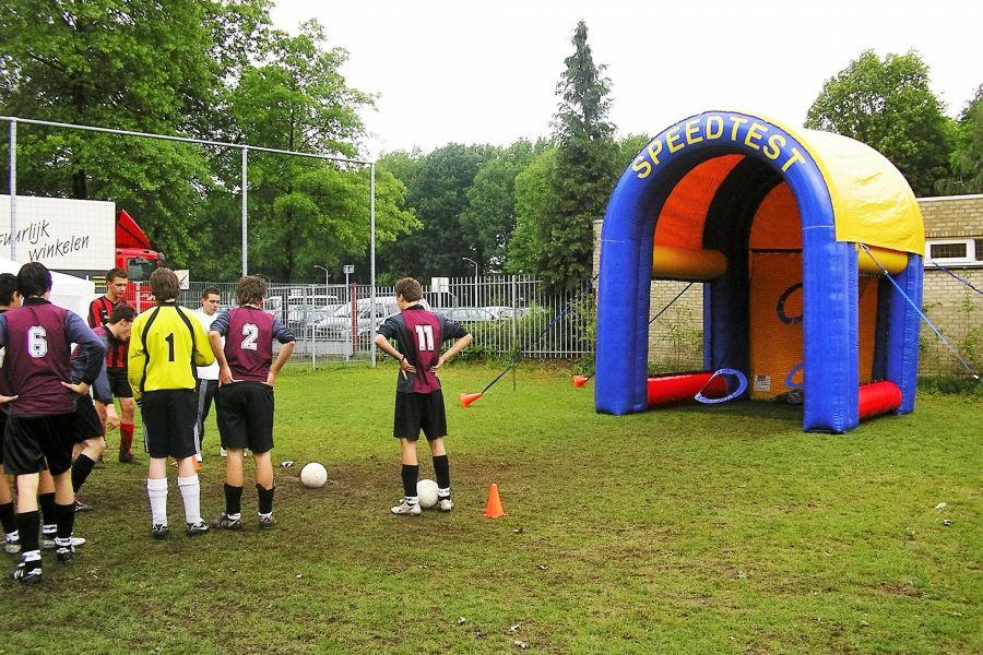 Speedtest is een proef waar de snelheid van de bal word gemeten.