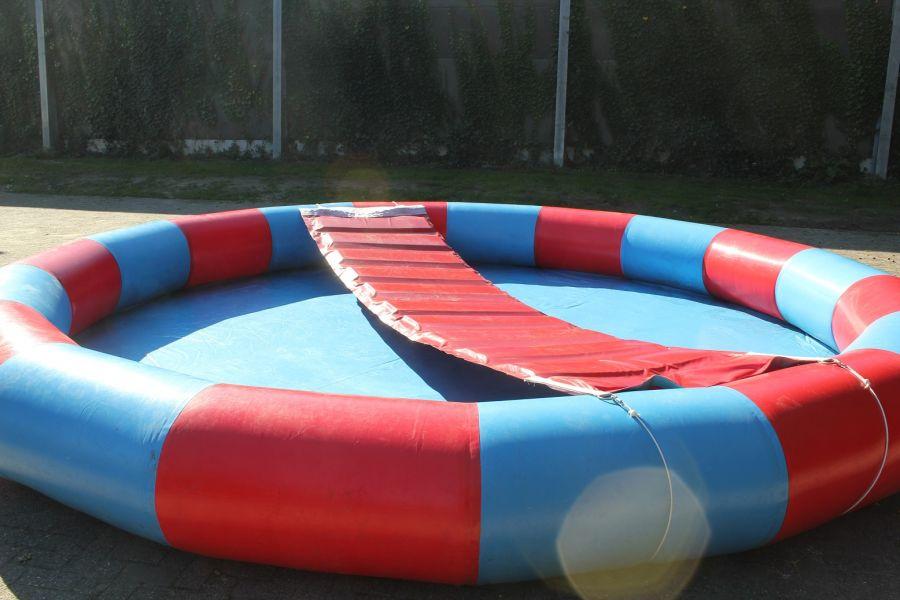 Waterbad / Speelveld 5 meter rond kun je inzetten op ieder event.